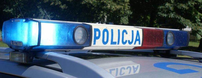 Zagięta rejestracja i ucieczka przed policją