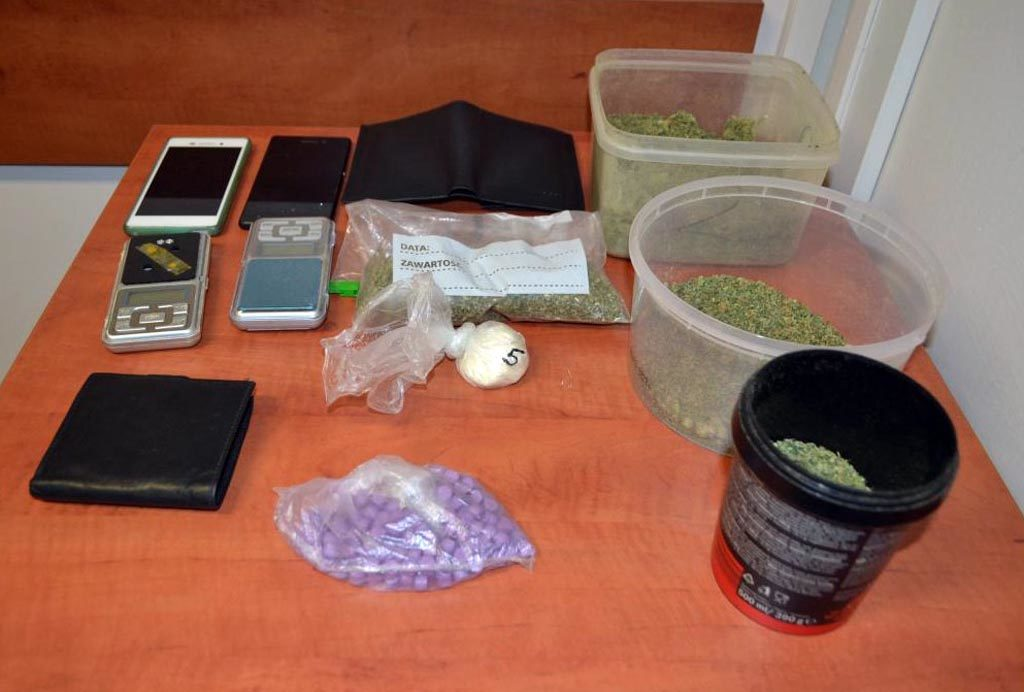 Oświęcim, narkotyki, marihuana, amfetamina, diler, policjanci