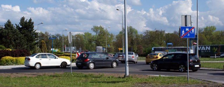 Korkuje się droga krajowa w Babicach