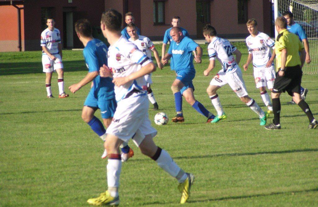 LKS Palczowice wygrał z Koroną Harmęże 3:2. Pierwszego gola w tym spotkaniu zdobyli goście. Jego autorem był Skiernik. W 55. minucie gospodarze wyrównali.