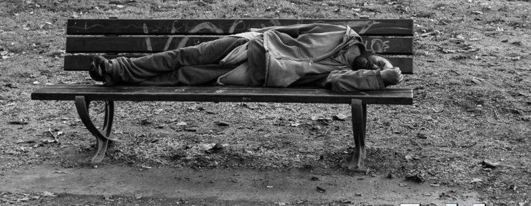 Leżał na Bulwarach, a potem w izbie wytrzeźwień