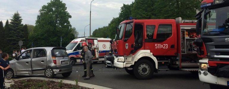 Dwie kobiety w szpitalu po zderzeniu samochodów – FOTO