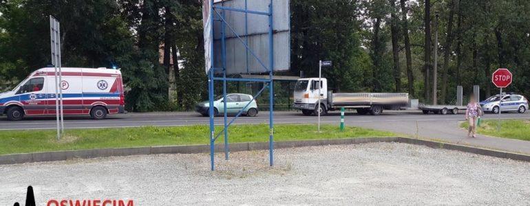 Dwa zderzenia w Łękach, dwie ciężarne w szpitalu – FOTO