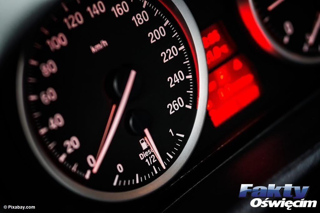Grojec, Oświęcim, prędkość, drogówka, prawo jazdy, szybkość