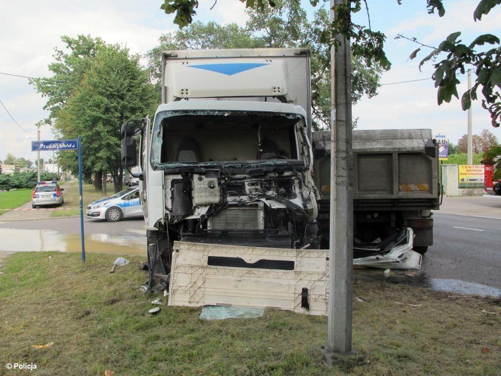 Brzeszcze, wypadek, zderzenie, ciężarówki, policja