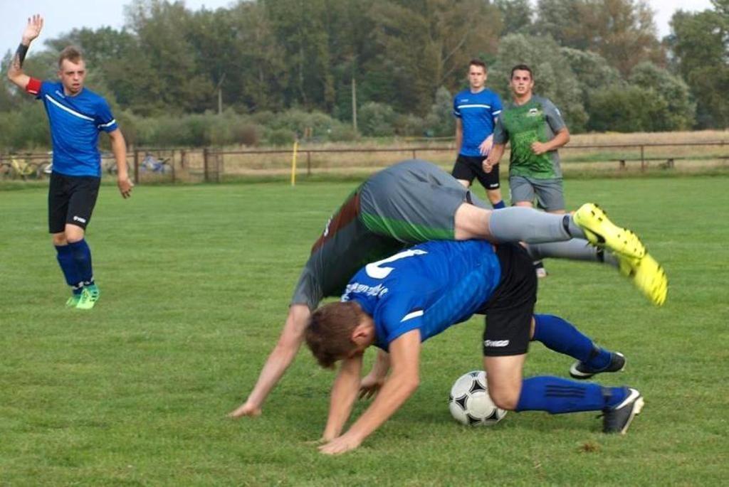 Na ten weekend zaplanowano niewiele meczów drużyn z powiatu oświęcimskiego. Z meczów grup młodzieżowych zagrają tylko trampkarze Soły i juniorzy KS Chełmek.