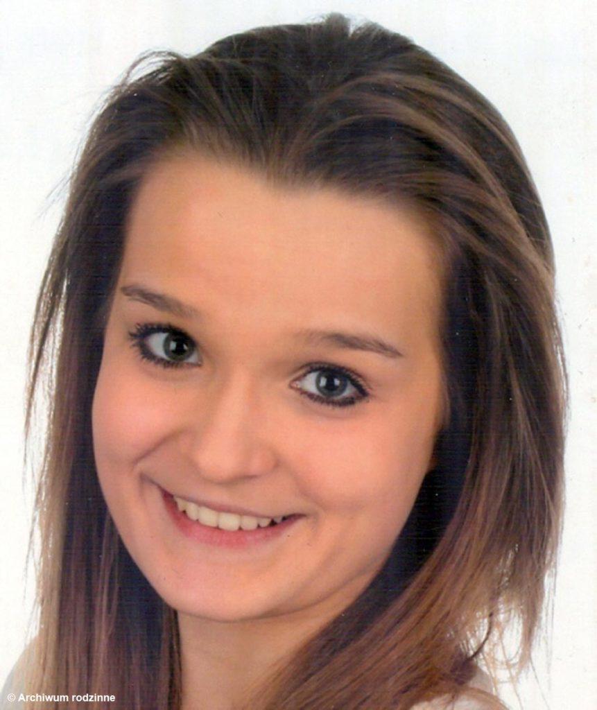 Oświęcimska policja nadal poszukuje 17-letniej Kariny Staroń. Dziewczyna zaginęła prawie dwa miesiące temu. Poszukiwania objęły całą Europę.