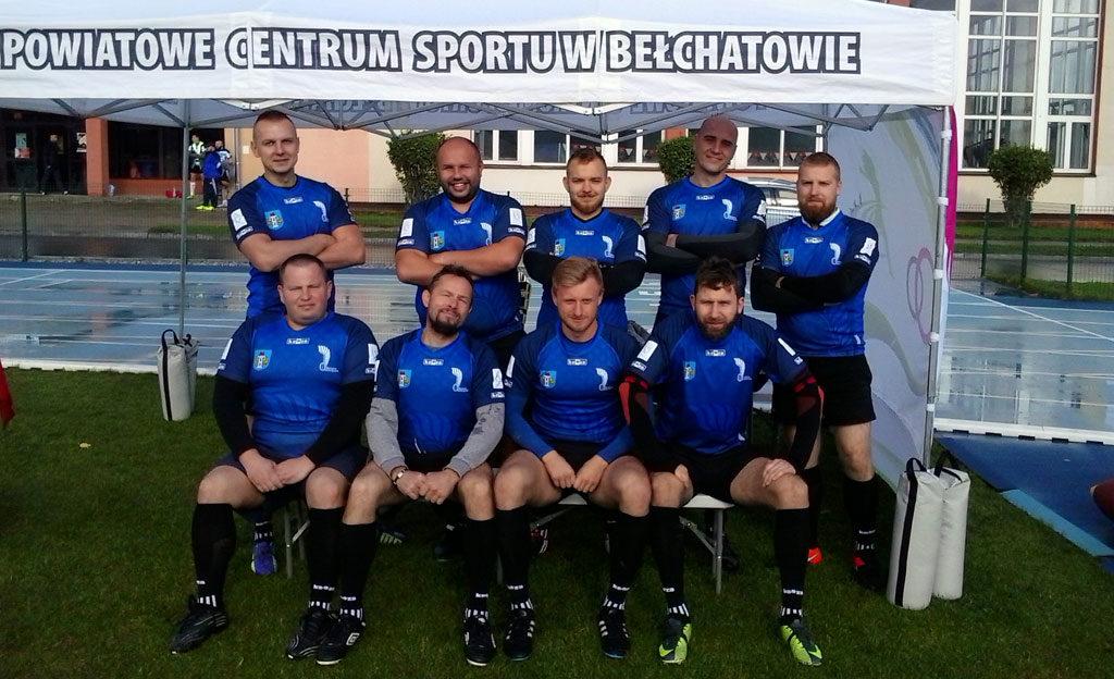 """Rugby Klub """"Husaria"""" Oświęcim rozpoczął rywalizację w jesiennych rozgrywkach organizowanych przez Polski Związek Rugby. Jest na siódmej pozycji."""