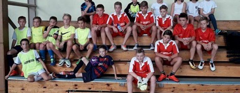 Uczniowie szkół podstawowych z gminy Brzeszcze rywalizowali o miano najlepszych piłkarzy