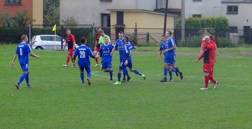 LKS Jawiszowice wygrał z Narożem Juszczyn 3:0.