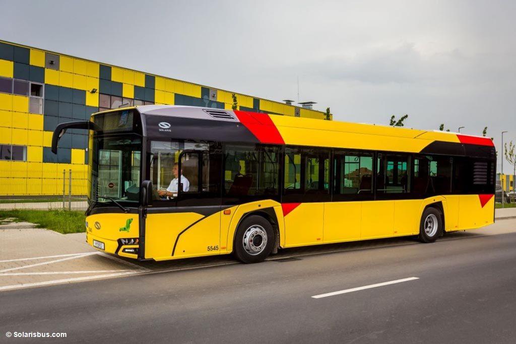 """O rewitalizacji okolic dworca kolejowego i nowych autobusach dla Miejskiego Zakładu Komunikacji mówią aktualne """"Wieści z ratusza""""."""