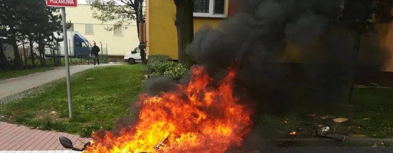 Skuter spłonął na Zasolu – FOTO