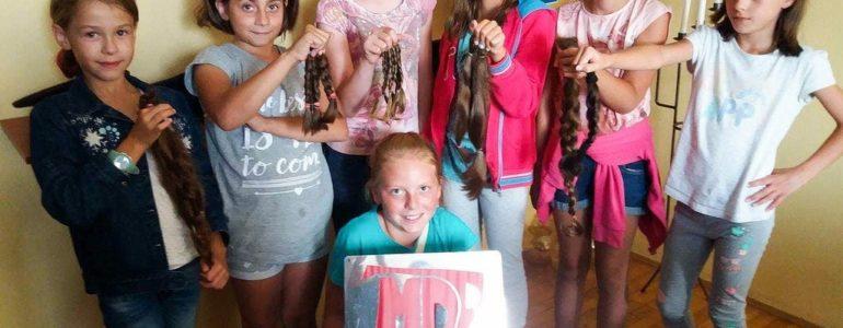 Ścięły włosy, aby oddać je innym – FOTO