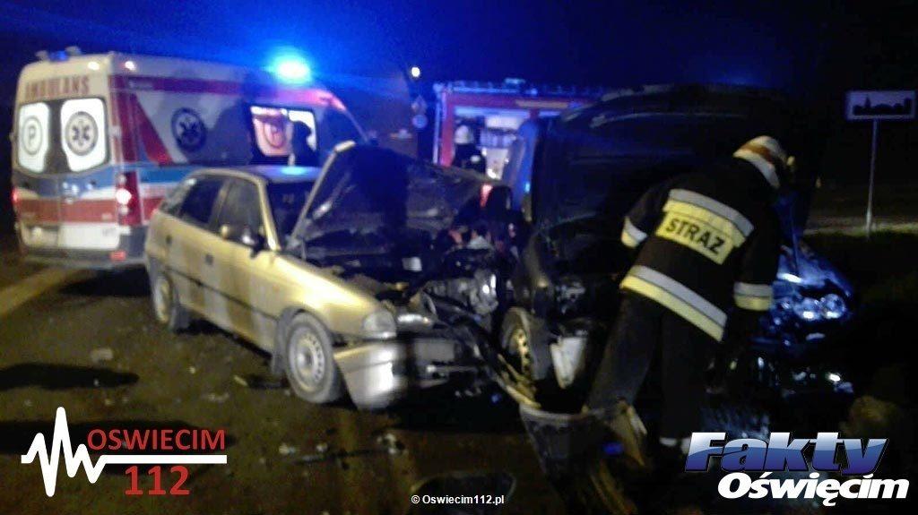 Około godziny 13.30 na skrzyżowaniu ulic Kolbego i Ostatni Etap doszło do zderzenia dwóch samochodów. Droga jest całkowicie zablokowana.