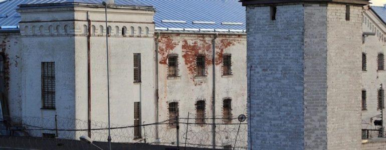 Trafił do więzienia przez niesprawne światło