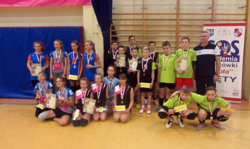 Świąteczny Turniej Kęckiej Akademii Siatkówki
