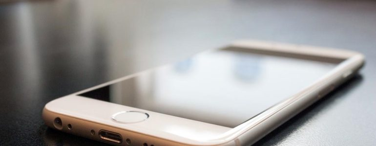 Podróż iPhone'a trasą: Dubaj – Piotrowice – Oświęcim
