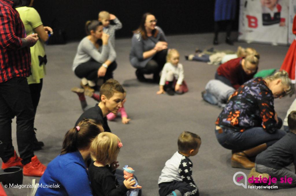 W ostatnią niedzielę w kinie Planet Cinema odbyły się Poranki dla Dzieci. Maja Bratus poprowadziła zabawy dla maluchów, były zachwycone.