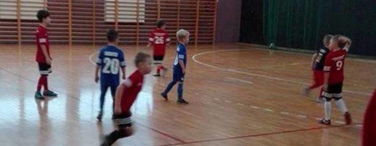 Najmłodsi piłkarze czterech ośrodków z powiatu oświęcimskiego zagrali w turnieju
