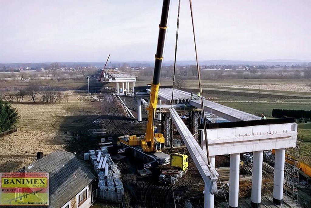 Prezydent Oświęcimia i burmistrz Chełmka chcą, by nowa przeprawa przez Wisłę w ciągu północnej obwodnicy Oświęcimia nazywała się Mostem Niepodległości.