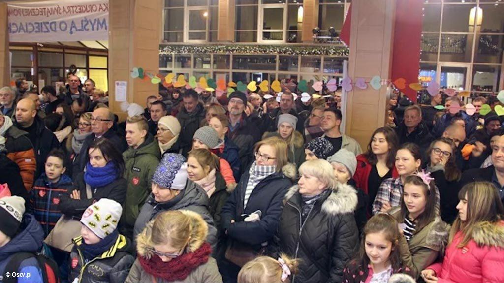 """Najnowsze """"Wieści z ratusza"""" podsumowują 26. finał Wielkiej Orkiestry Świątecznej Pomocy i pokazują, jak miasto wspiera organizacje pozarządowe."""