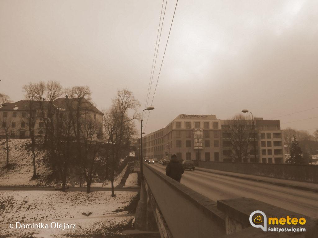 Chcesz wiedzieć więcej o smogu, o tym jak skutecznie z nim walczyć oraz zagrożeniach dla naszego zdrowia, które niesie? Oświęcimski Alarm Smogowy iCafe Bergsonorganizują spotkanie informacyjne.