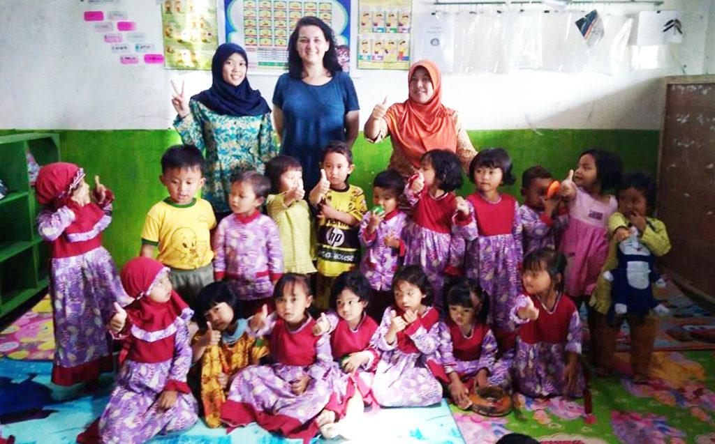 W Przedszkolu Samorządowym w Zaborzu nauczyciele wraz z rodzicami dzieci organizują paczkę dla dwóch wiejskich przedszkoli w Indonezji.