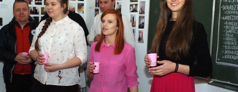 Miasto Pracownia spod znaku flamingów – FILM, FOTO