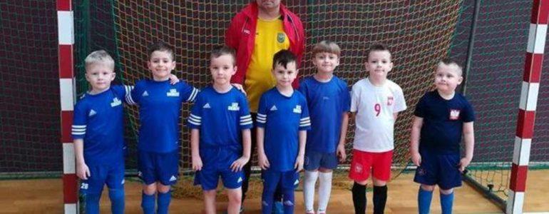 Skrzaty z pięciu drużyn zagrały w trzecim Turnieju o Puchar Zimy