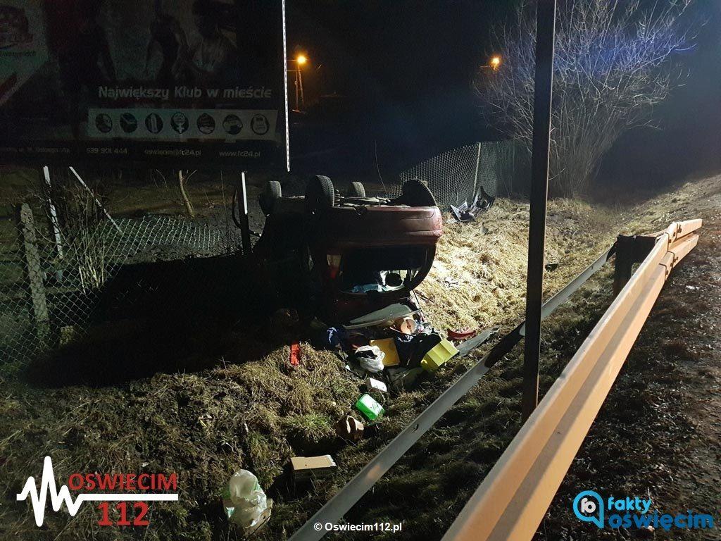 W ciągu pięciu minut w Brzeszczach i w Oświęcimiu doszło do kolejnych zdarzeń drogowych, do których wyruszyły służby ratunkowe. Jedna osoba trafiła do szpitala.