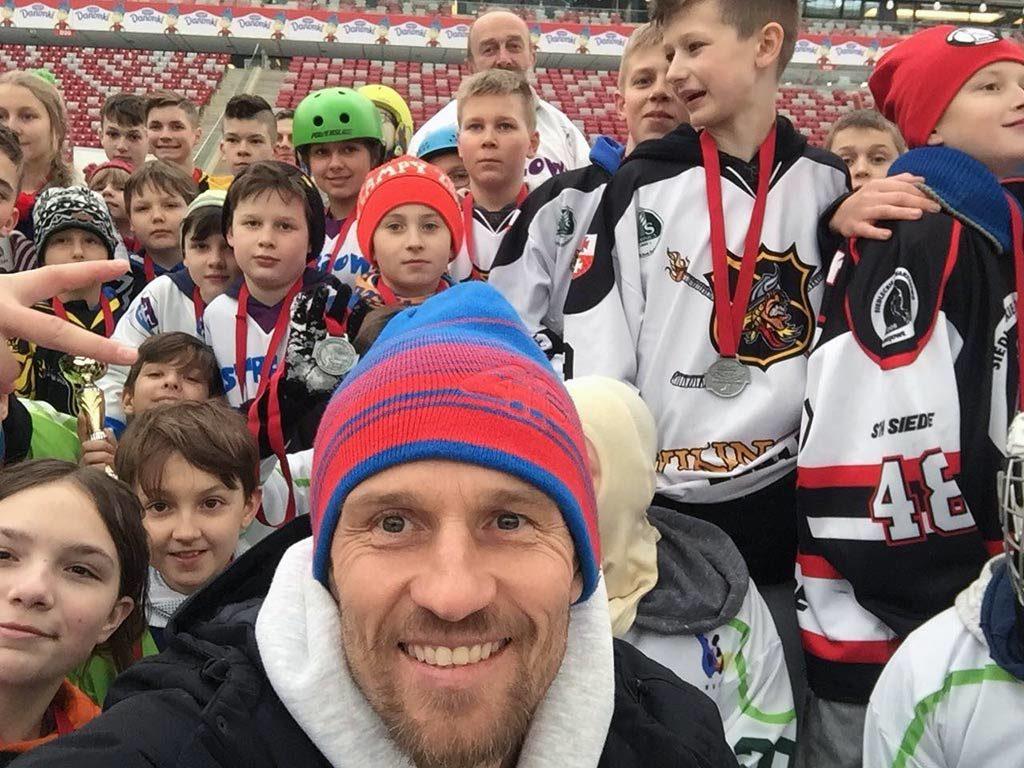 Mariusz Czerkawski zaprosza do kibicowania podczas 17 Mistrzostw Polski Amatorów, które odbędą się w Oświęcimiu. Mistrzostwa wspiera medialnie serwis Fakty Oświęcim.