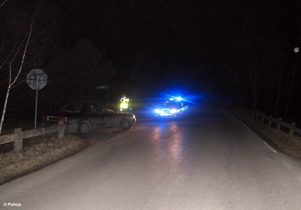 Złamaniem nogi i licznymi potłuczeniami skończyło się dla rowerzystki potrącenie przez samochód. Do wypadku doszło w Lesie koło Przeciszowa.
