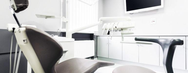 Zdrowe i białe zęby – warto do tego dążyć