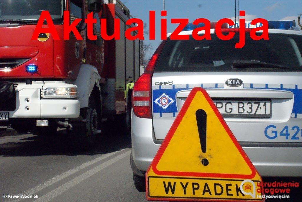 Droga z Oświęcimia do Kęt jest już przejezdna. Przyczyną zdarzenia drogowego była nieuwaga kierowcy, który nie wyhamował i uderzył w inny pojazd.