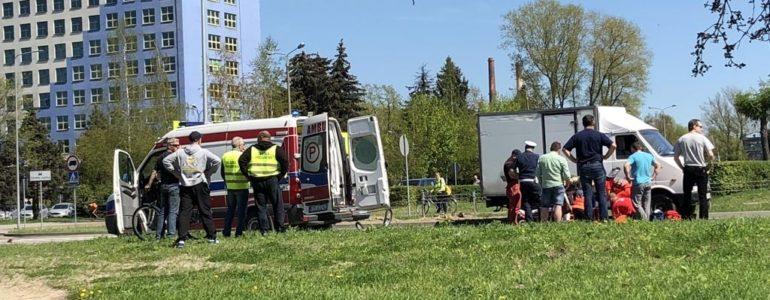 Dostawczak potrącił dziewięciolatkę na przejściu – FILM, FOTO