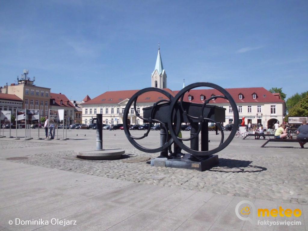 W weekend w sercu Oświęcimia zagościFood Fest, Festiwal Food Trucków, dlatego oświęcimski rynek będzie zamknięty dla ruchu kołowego.