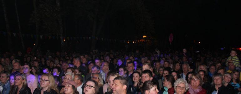 Tłumy szalały na koncercie Piaska – FOTO