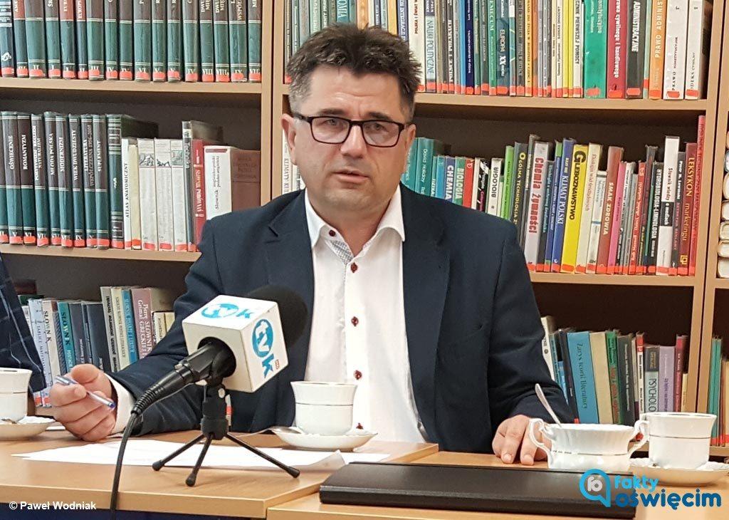Albert Bartosz, wójt gminy Oświęcim, przedstawia swoje zdanie w sprawie kontrowersyjnych decyzji radnych podjętych na ostatniej sesji Rady Gminy Oświęcim.