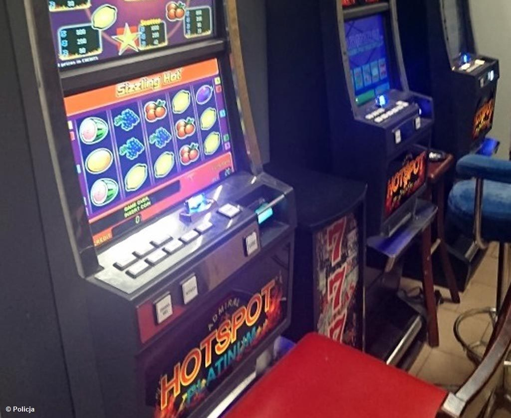 Stróże prawa zlikwidowali punkt gier hazardowych, działający w Brzeszczach. Salon oferował hazard tylko wybranym.