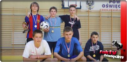 PIŁKA NOŻNA. Schody w Windzie i Kanonierzy wygrali młodzieżową ligę halową