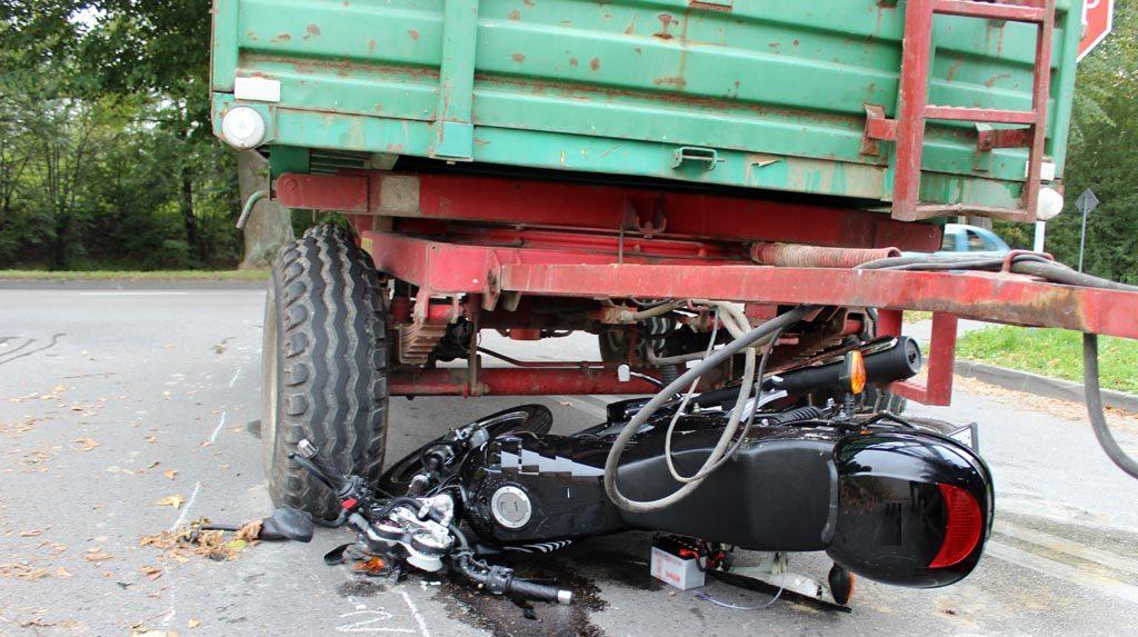 Kęty, wypadek, zderzenie, motocykl, traktor