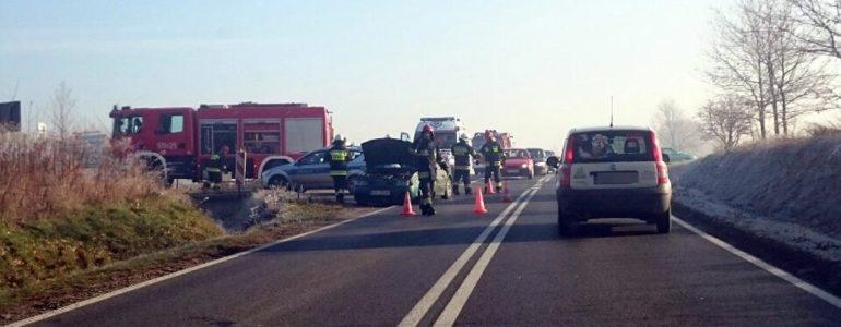 Ranny kierowca poleciał do szpitala śmigłowcem