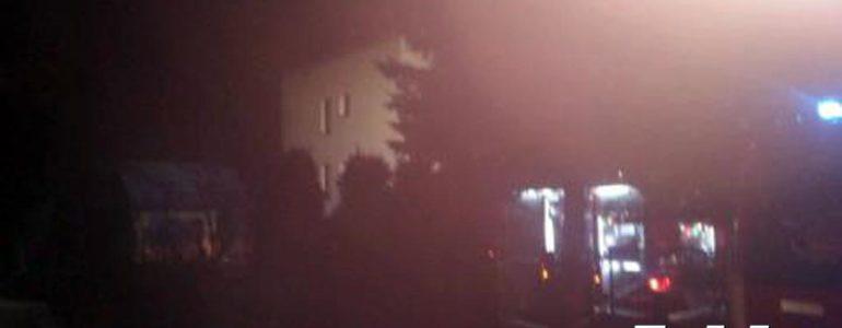 W Przeciszowie palił się dom. Osiem osób ewakuowanych