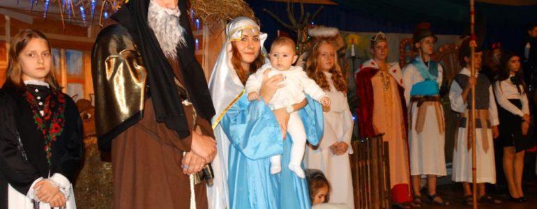 Basia zagrała Jezuska w przeciszowskich jasełkach – FILMY, FOTO