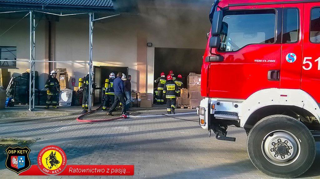 Nowa Wieś, pożar, straż, straż pożarna, ogień, strażacy
