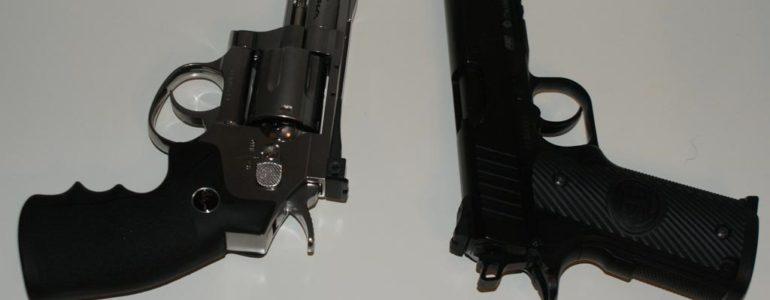 Z pistoletem napadł na sklepy. Padł strzał