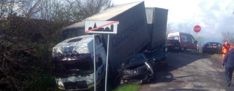 Wypadek przy moście w Bobrku – FOTO