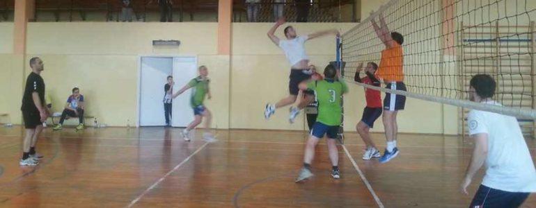 Drużyna LKS Osiek wygrała amatorski turniej siatkówki