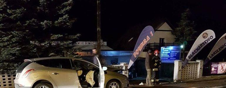 Lancią uderzył w ciężarowego mercedesa – AKTUALIZACJA