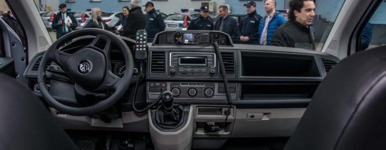 Nowe radiowozy dla policji – FILM, FOTO